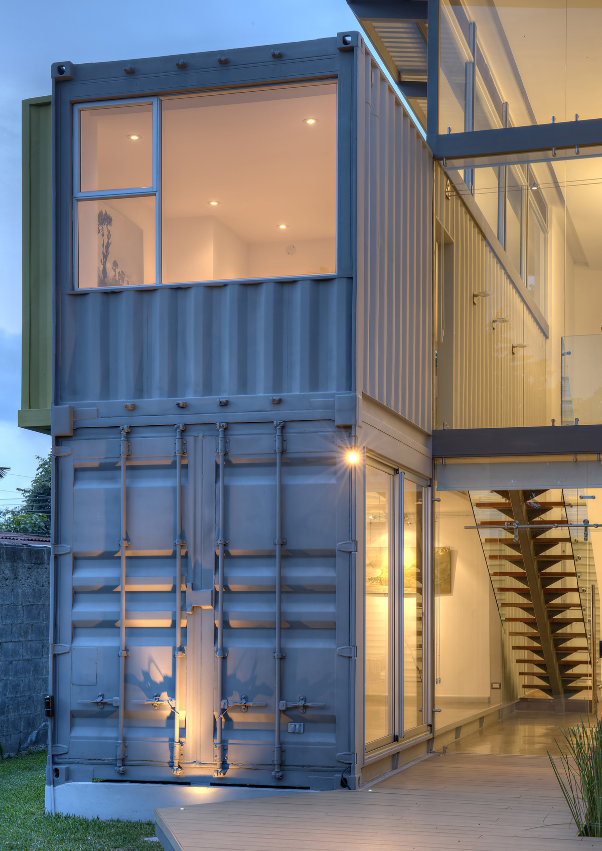open and airy casa incubo shipping container home by maria jose trejos livin spaces. Black Bedroom Furniture Sets. Home Design Ideas