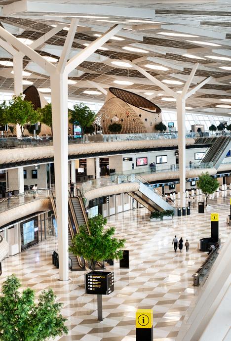 Heydar-Aliyev-Airport-terminal-by-Autoban_dezeen_468_0
