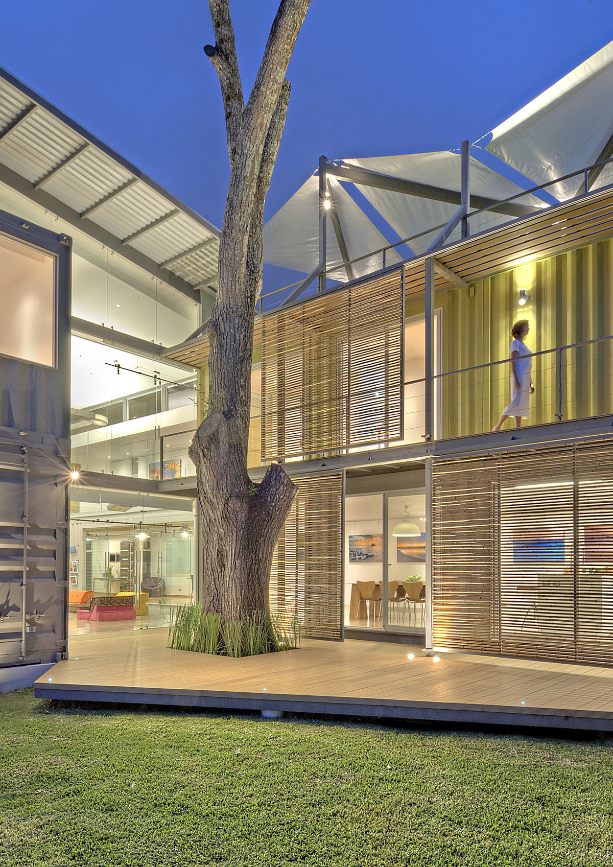 stunning-2-story-home-8-shipping-containers-13