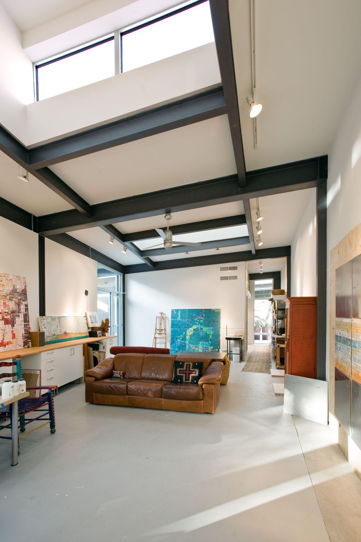 stylishly-simple-modern-1-story-house-14