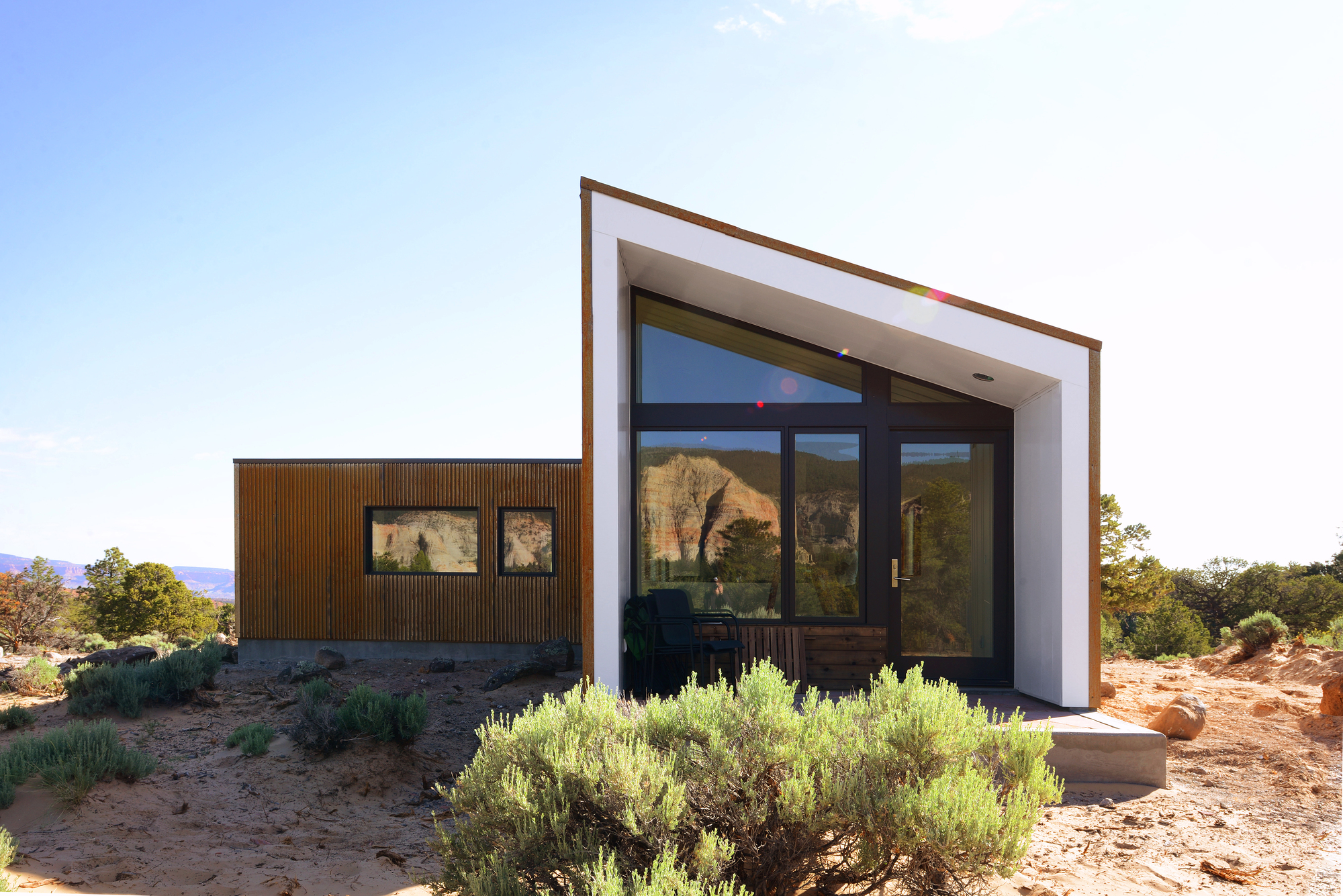 5522f812e58ecea9f800003f_capitol-reef-desert-dwelling-imbue-design_05_guest_house_rear_elevation