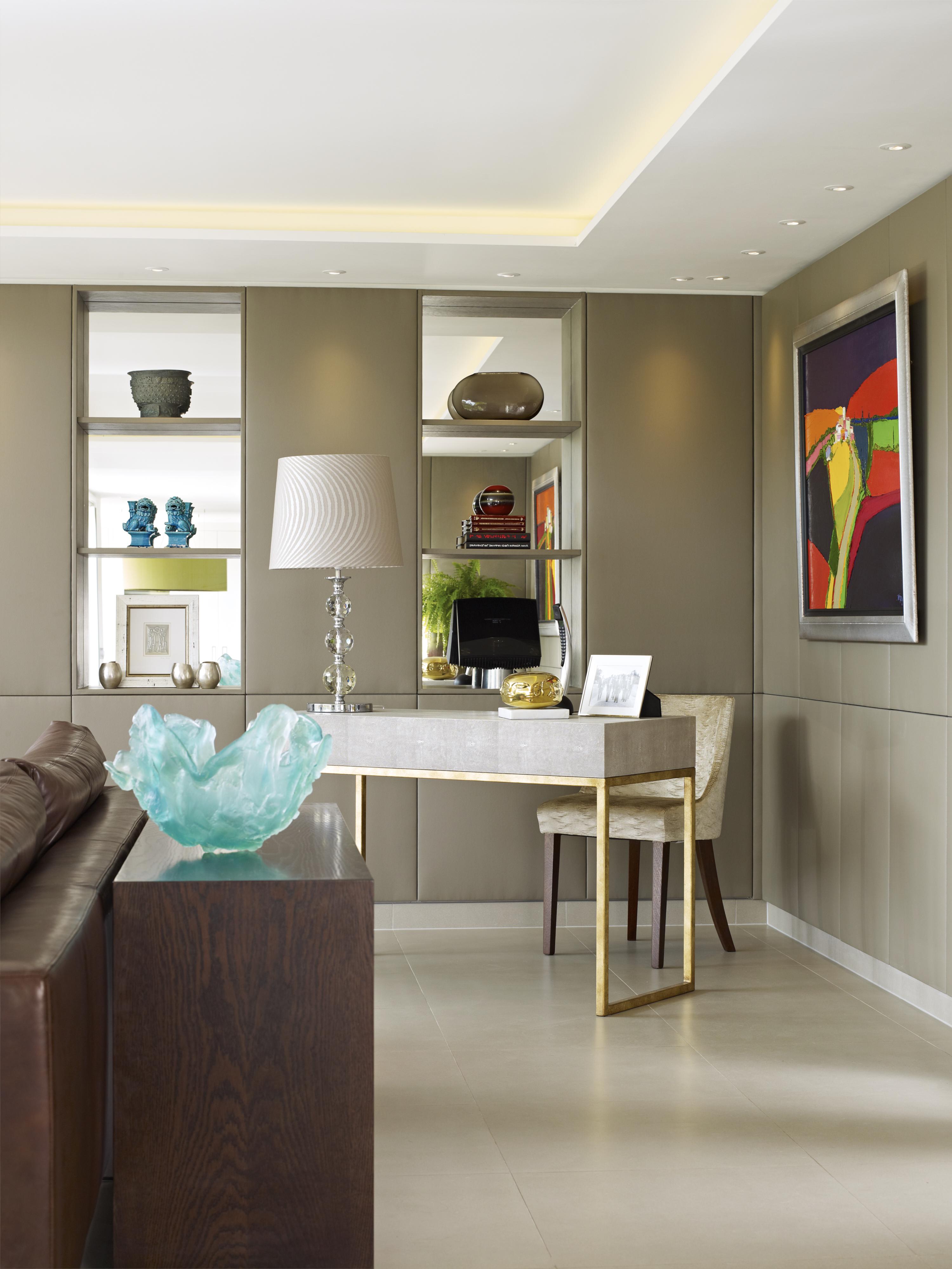 Callender Howorth_Essex Mansion_Luxury desk