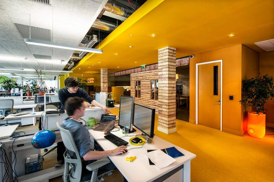 Google office space Pinterest Googledublincamenzindevolutiondesignboom13 Livin Spaces Workspace 20 Gallery Of Googles Global Offices Livin Spaces