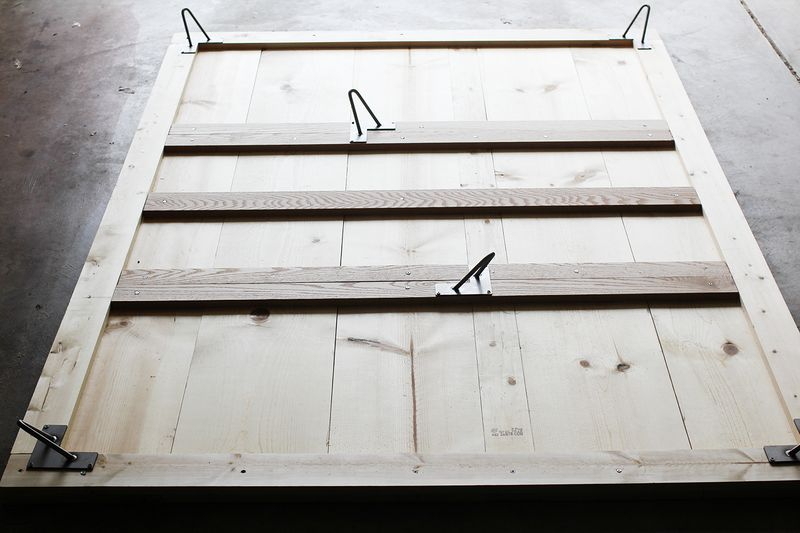 bedframe with hairpin legs