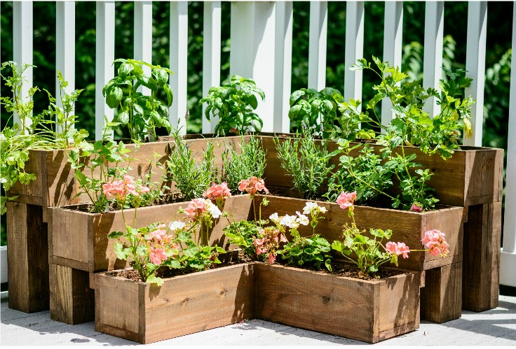 DIY+Tiered+Herb+Garden+Tutorial.++Great+for+decks+and+small+outdoor+spaces!