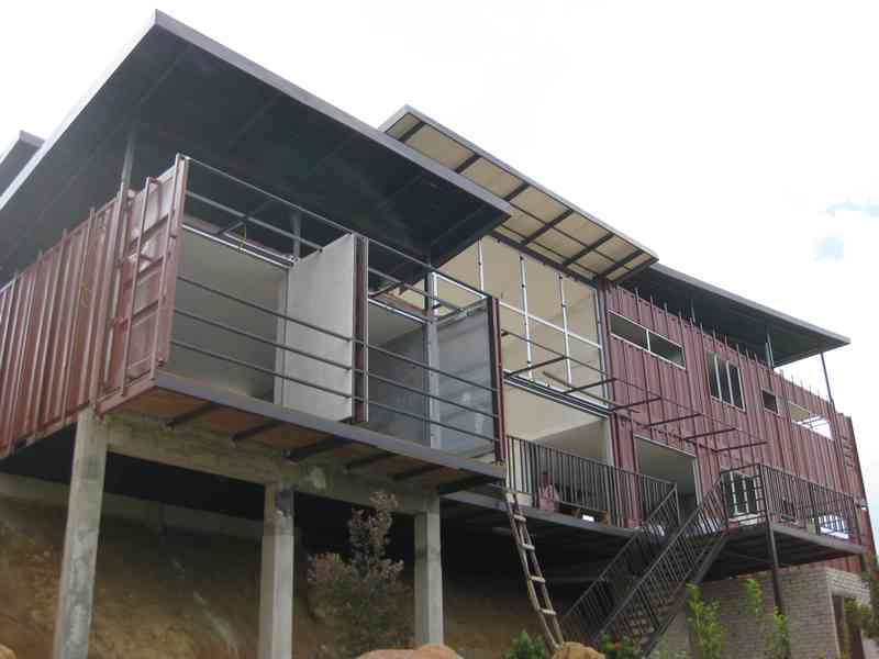 shipping-container-building-in-malaysia-8