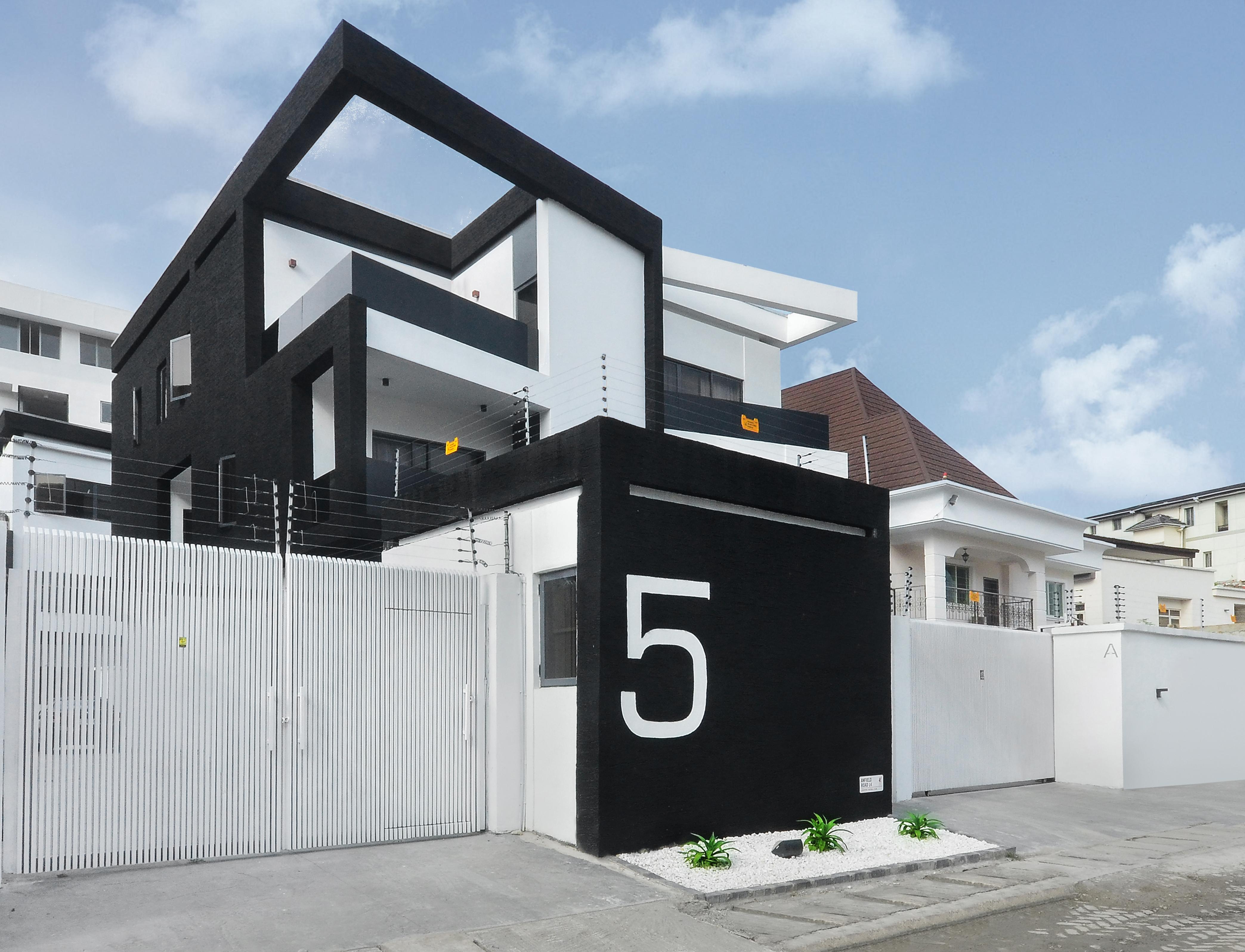 scissor house 1