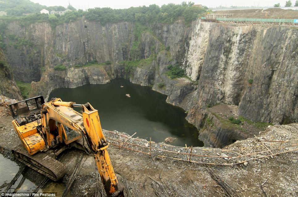 quarry hotel under construction 2