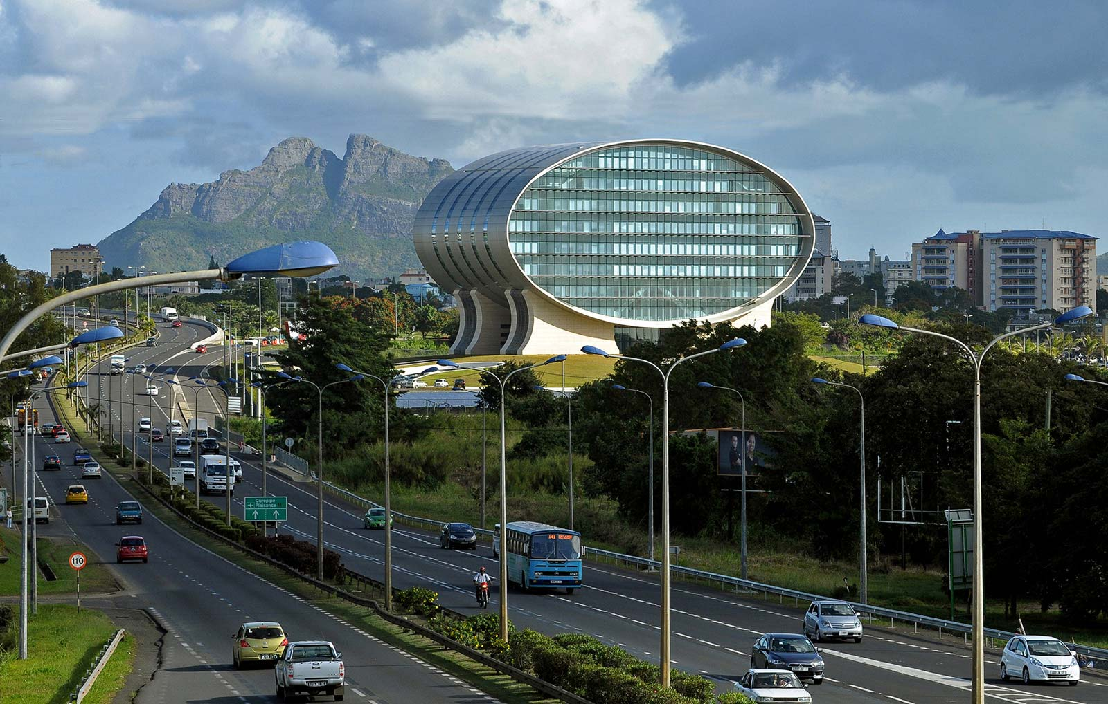 the-mauritius-commercial-bank-ebene_jean-francois-koenig-highway-view