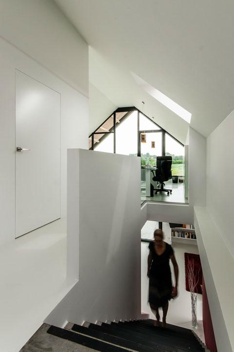 BARN HOUSE 8