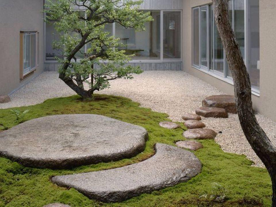 courtyard 09