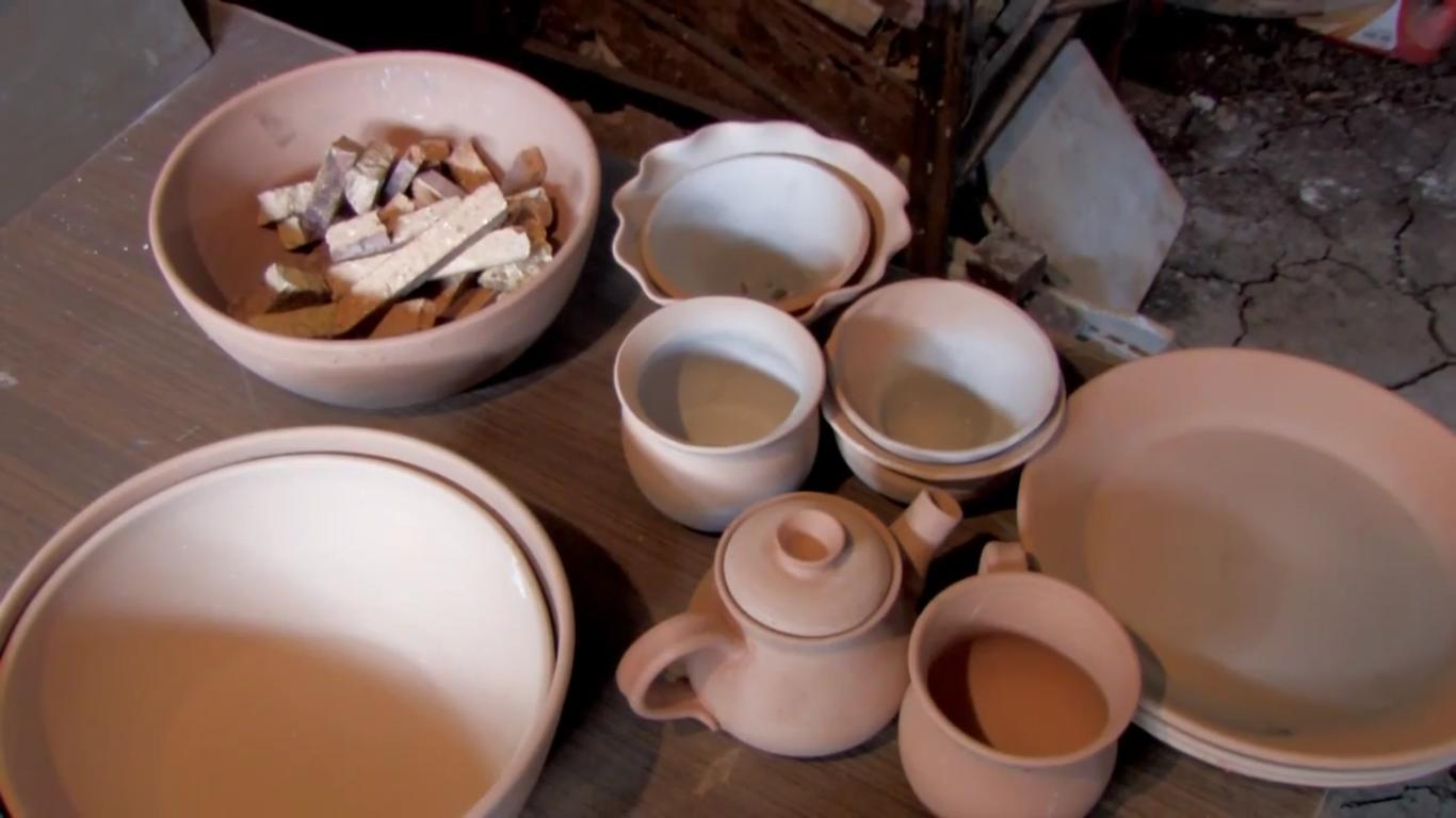 kenyas-tope-creations-making-glazed-crockery-11