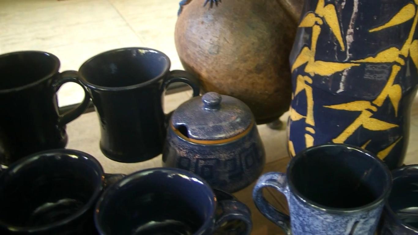 kenyas-tope-creations-making-glazed-crockery-4