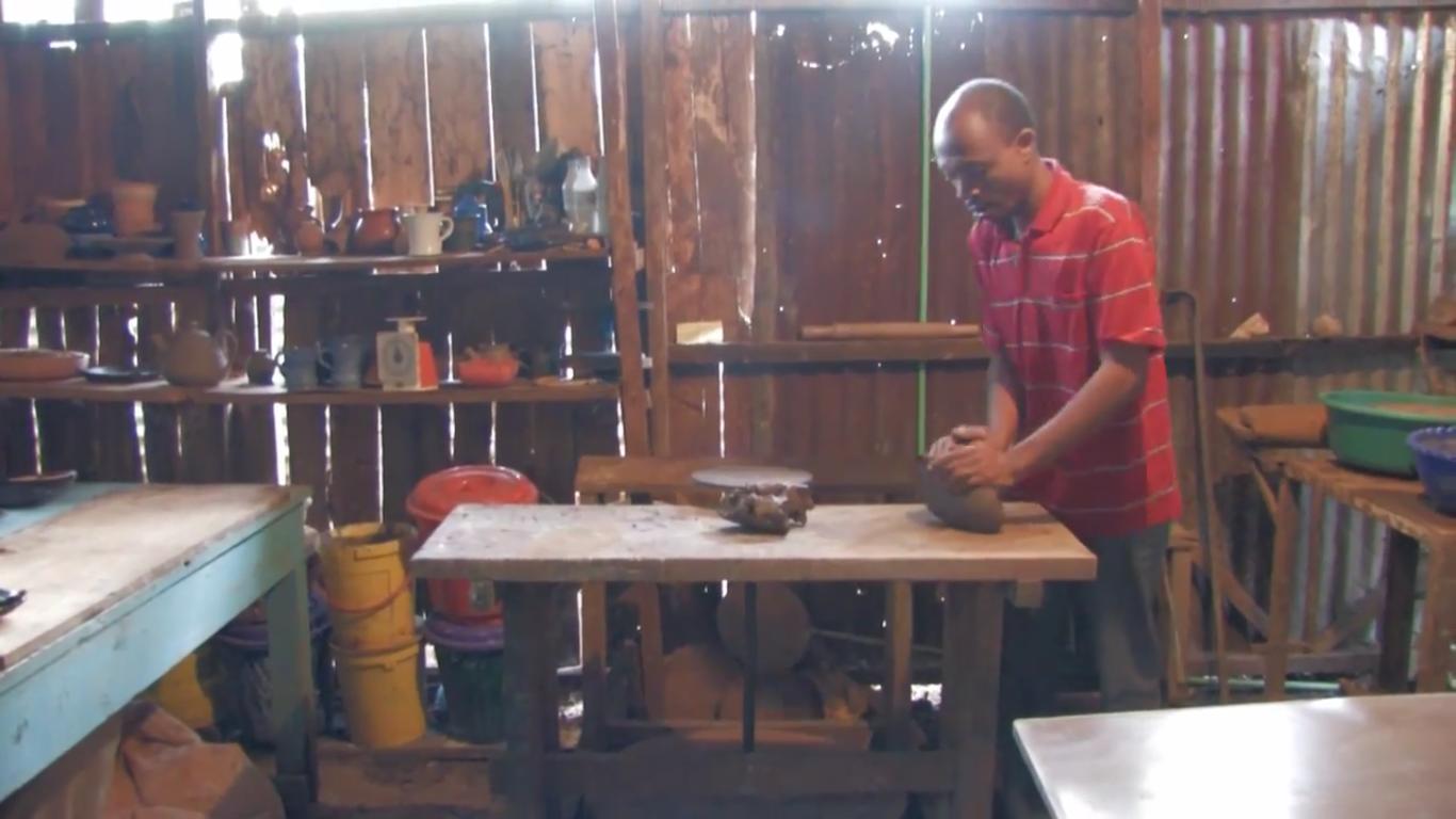 kenyas-tope-creations-making-glazed-crockery-6