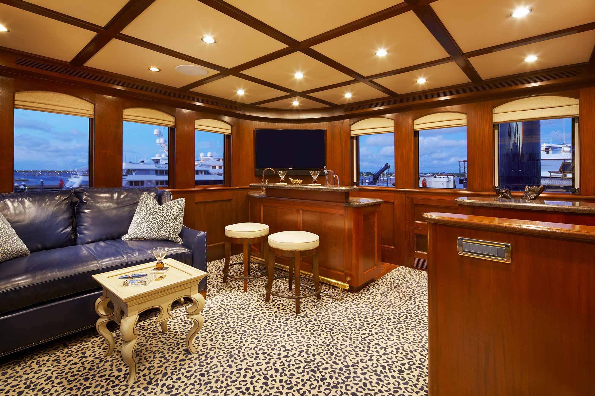 bread-yacht-interior-13-salon