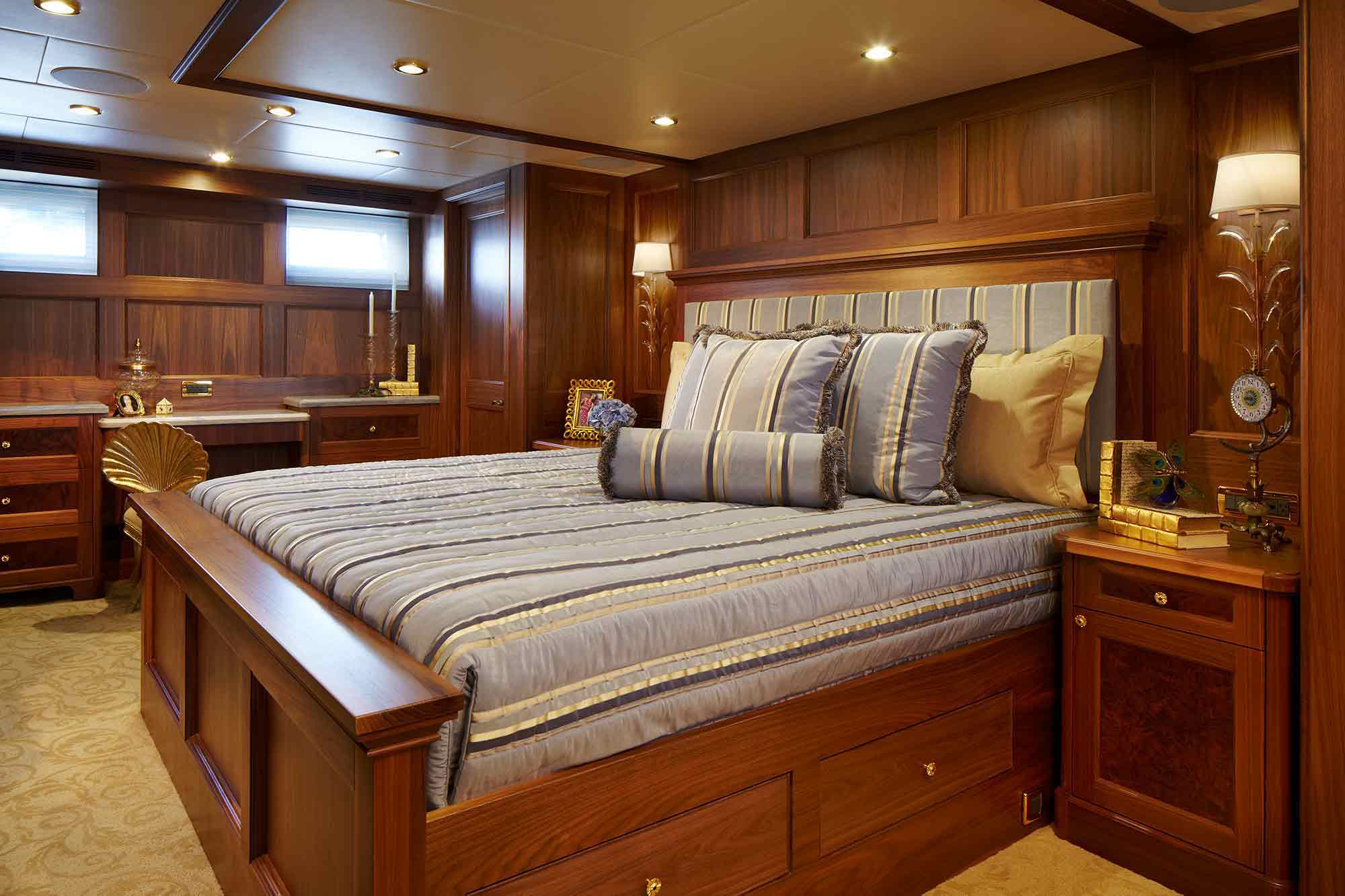 bread-yacht-interior-9-stateroom