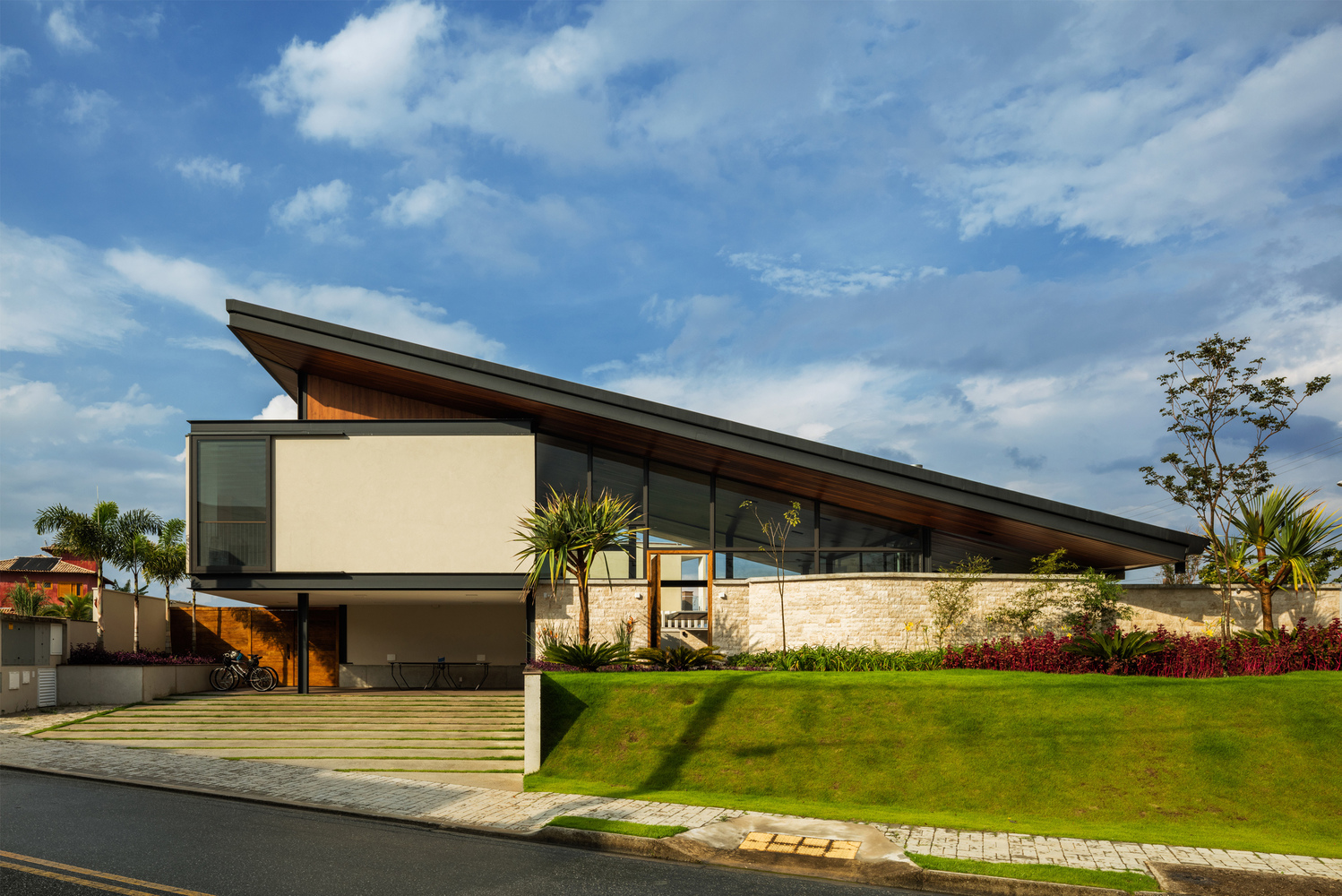 An expansive sloped roof for a family home in Brazil.