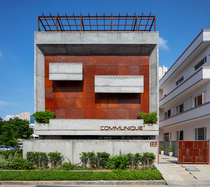 The communique office in india by groupdca pairs a bold - Icon exterior building solutions ...