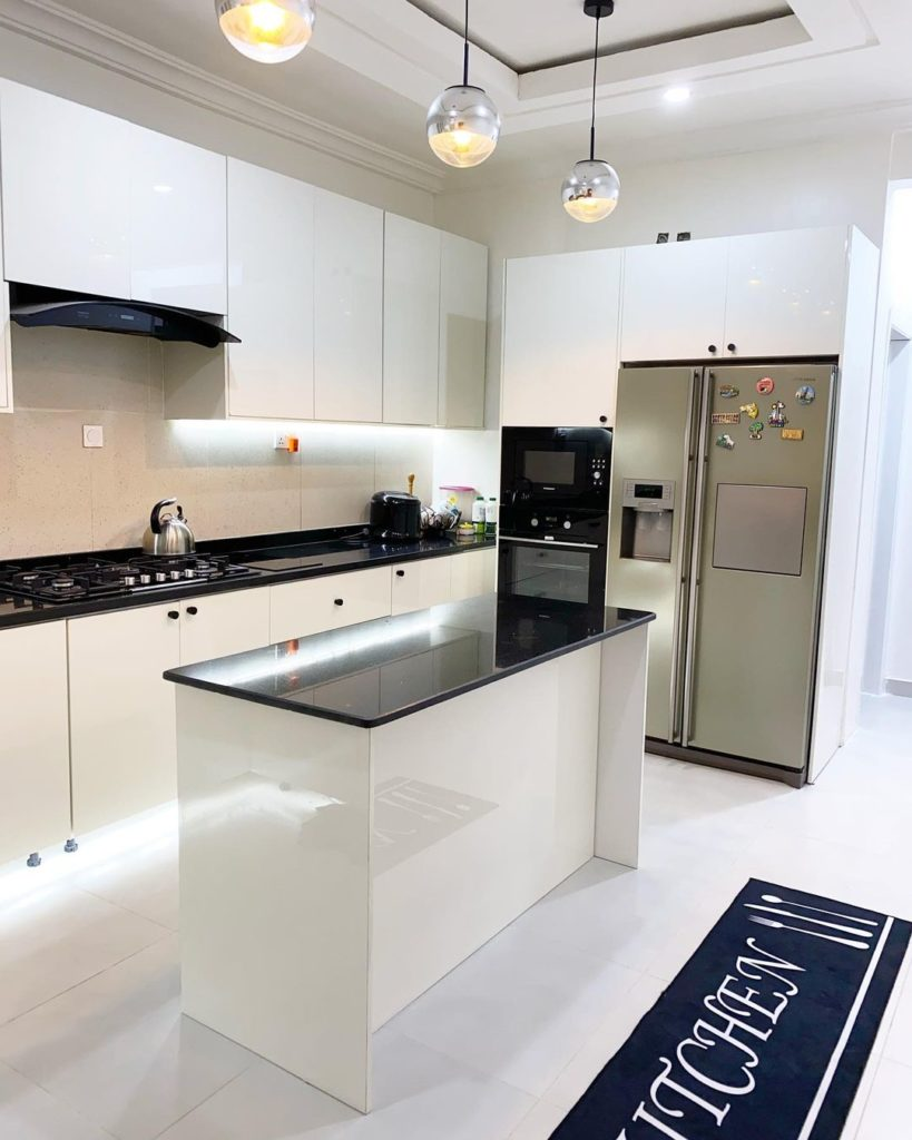 modern white kitchen design and build by Muji muse design 04