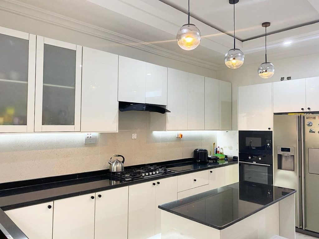 modern white kitchen design and build by Muji muse design 01