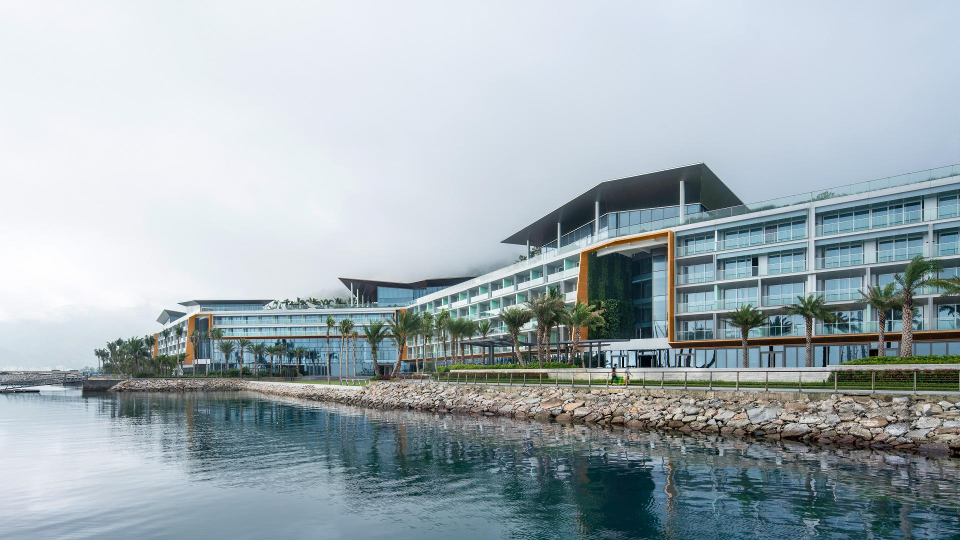 Longcheer Yacht Club in China was designed by SAOTA, an architecture practice established in South Africa.